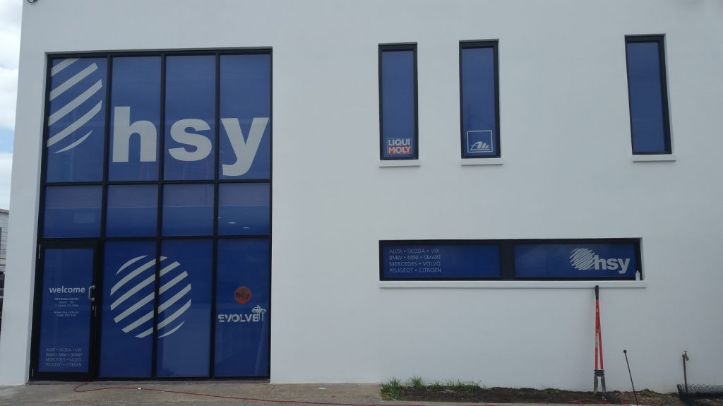 HSY-Onewayvision-kirkbysigns-goldcoast